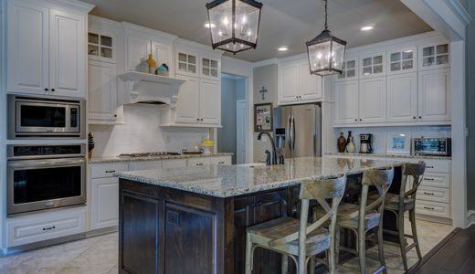 キッチンの掃除にどんな道具を使う?どこに収納すればいいの?
