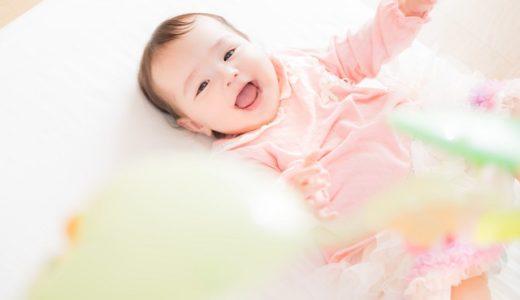 赤ちゃんにはどんな服装をさせたらいい?夏と冬の服選びとは?
